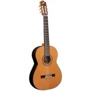 Продам новую Классическую гитару Admira Artista + жёсткий чехол