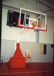 Щиты баскетбольные ,  стойки для улицы и залов