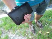 Королевский подарок мужчине: брендовое портмоне-клатч из кожи