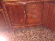 Продам мебельный гарнитур из красного дерева