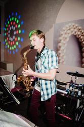 Саксофонист на праздник (ищу работу в ресторане)