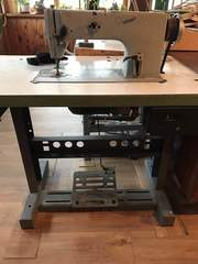 швейная машина 1022 класса и  краеобметочная машина