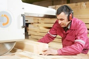Требуется рспиловщик на мебельное предприятие с опытом работы
