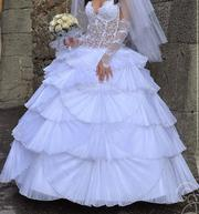 Продаю  шикарное свадебное платье!!!!!!
