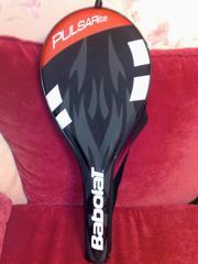 фирменную ракетку для игры в большой теннис